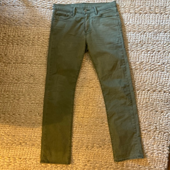 Levi's Other - Men's Levi's jeans 513 32 32 olive green
